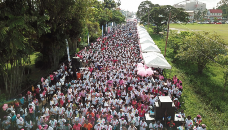 Thousands turn out at GTT's Breast Cancer Awareness walk and run