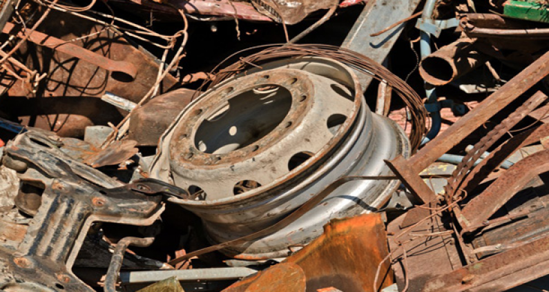 Former Ministry of Business official charged for allegedly forging scrap metal export license