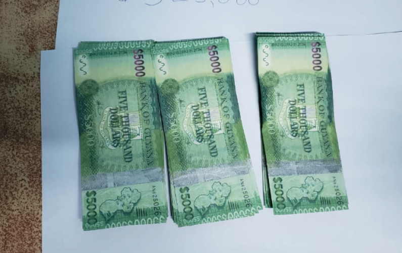 Diamond man nabbed with over $300,000 in counterfeit bills