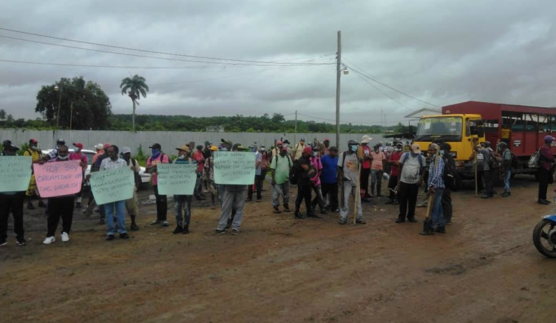 Sugar workers at Blairmont and Albion protest over wages and salaries