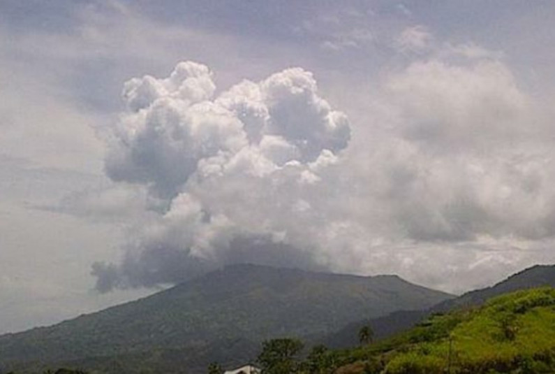 Opposition calls on Government to assist in accomodating Vincentians if volcano crisis worsens