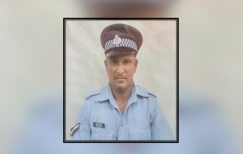 Policeman collapses and dies at home after experiencing difficulty with breathing