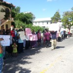 Amerindians picket Parliament ...