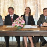 Diplomats welcome commitment t...
