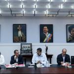 Venezuela extends Colombia border closure