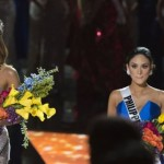 Comedian Host mistakenly crowns wrong Miss Universe Queen
