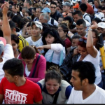 Venezuelans flocking Colombia to buy food